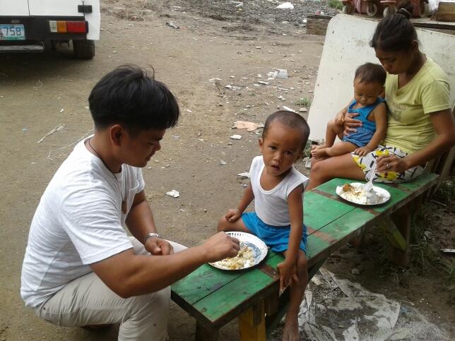 dzieci ryż.